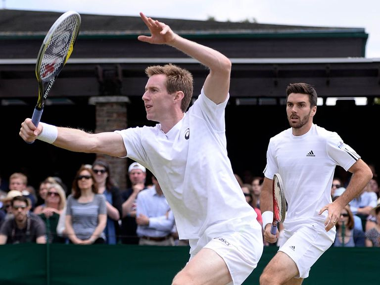 Marray (l) and Fleming struggled on the return of serve