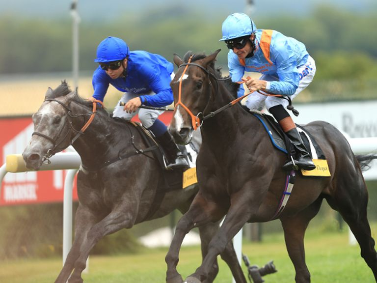 Toormore (right): Beating Outstrip at Goodwood
