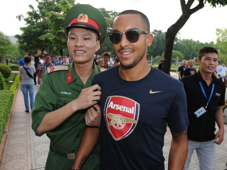 Theo Walcott: Believes Arsenal can win the title