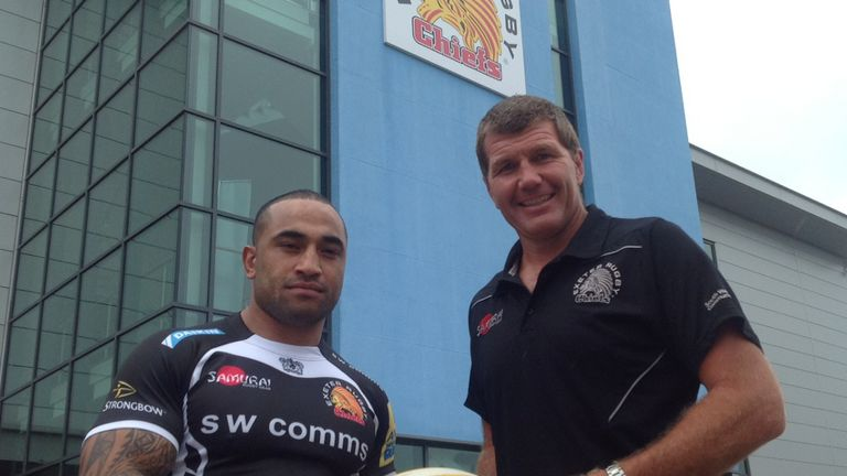 Fetu'u Vainikolo poses with Exeter Chiefs head coach Rob Baxter