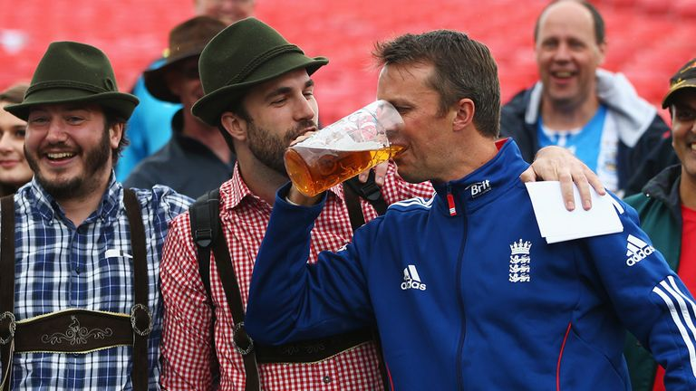 Graeme Swann didn't waste any time celebrating England retaining the Ashes