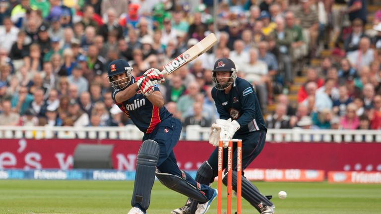 Ravi Bopara: Remaining at Essex