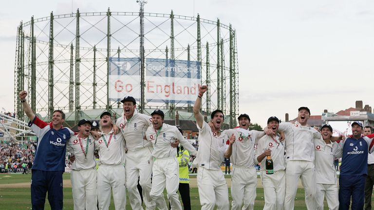 England celebrate regaining the Ashes at The Oval in 2005