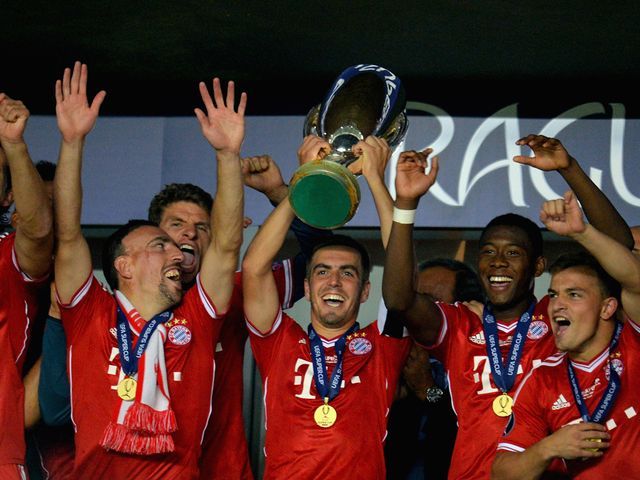 Bayern Munich lift the UEFA Super Cup.