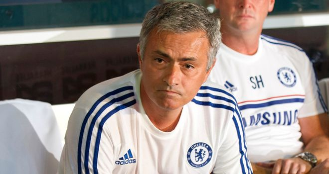 Jose Mourinho: Says Chelsea were a broken family last season