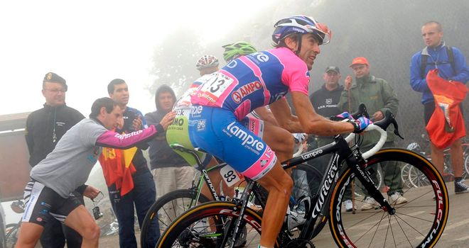 Riders make their way up the Alto de L'Angliru in the 2011 Vuelta
