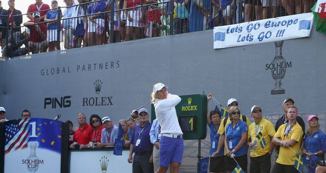 Suzann Pettersen on her way to a 2&1 victory alongside Beatriz Recari