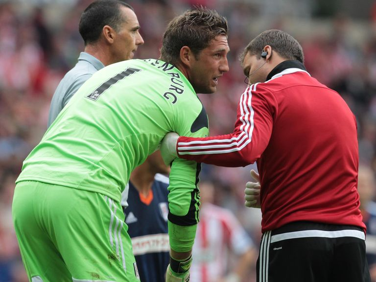 Maarten Stekelenburg: Faces a month on the sidelines