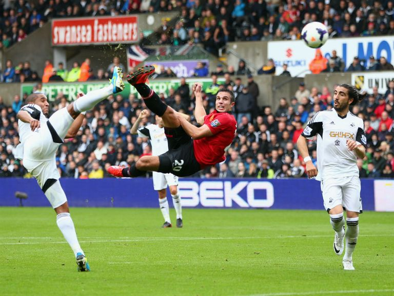 Van Persie strikes to the delight of Sky Bet punters