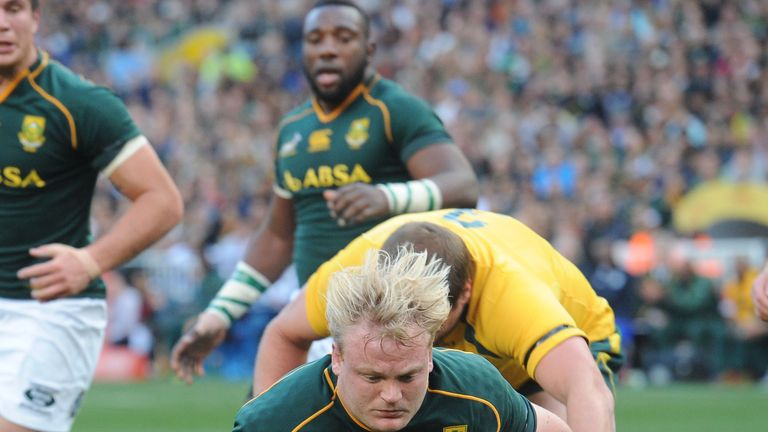 Adriaan Strauss crashes over for an early try for South Africa
