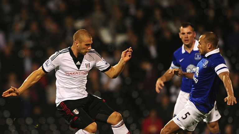 Johnny Heitinga: Everton defender set for move to West Ham