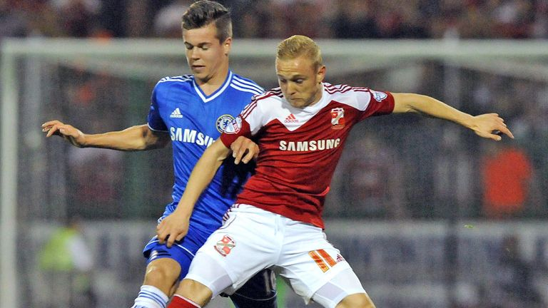 Marco van Ginkel: Chelsea midfielder out for six months