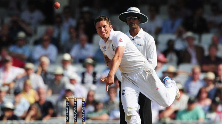 Simon Kerrigan: Smashed out of the attack at The Oval
