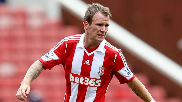 Glenn Whelan: Staying at Stoke City