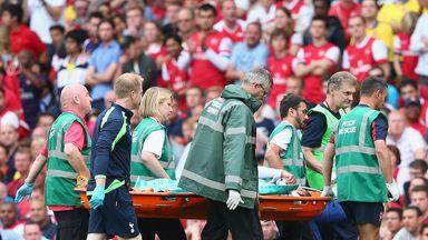 Etienne Capoue: Tottenham midfielder suffered injury in collision with Santi Cazorla