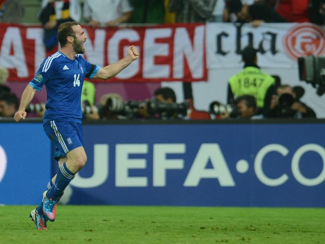 Dimitris Salpingidis: Goal for Greece