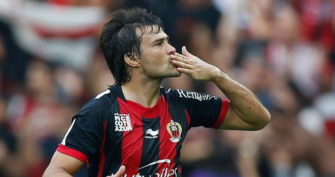 Dario Cvitanich celebrates his opener for Nice
