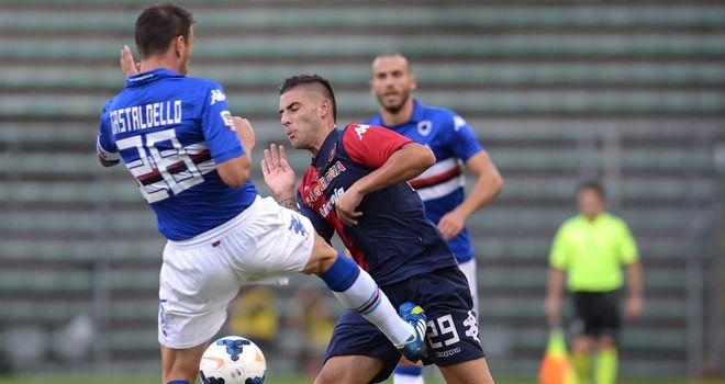 Nicola Murro competes with Daniele Gastaldello.