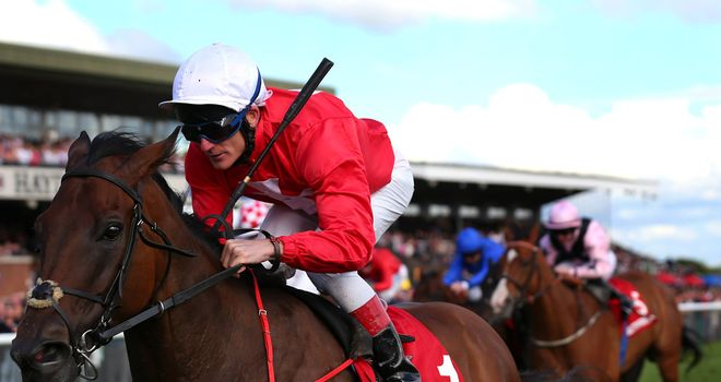Gordon Lord Byron streaks clear to score at Haydock
