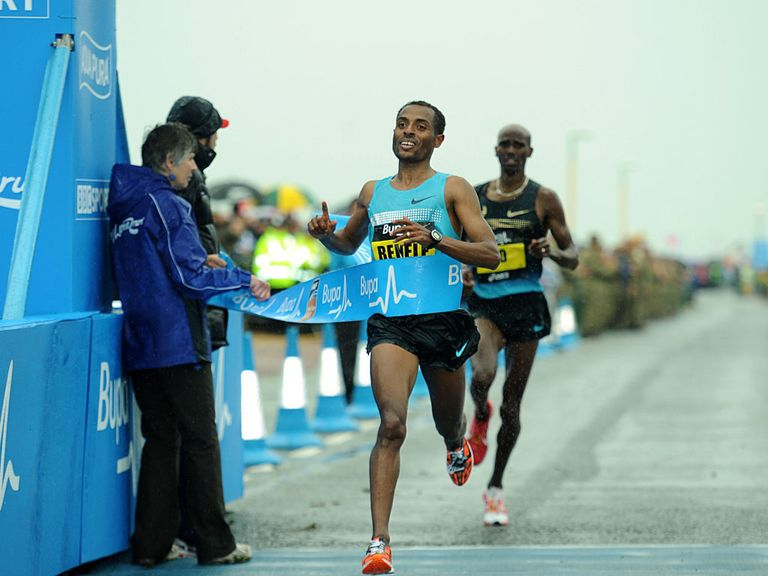 Kenenisa Bekele beats Mo Farah to win the Great North Run