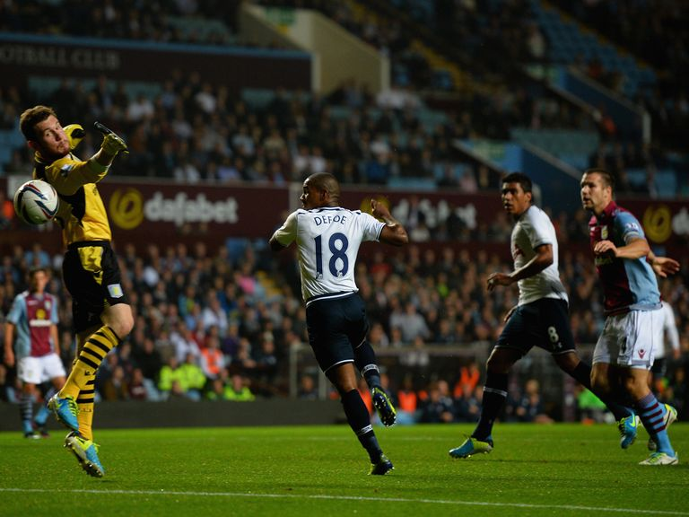 Jermain Defoe scores in Tottenham's 4-0 win at Aston Villa.