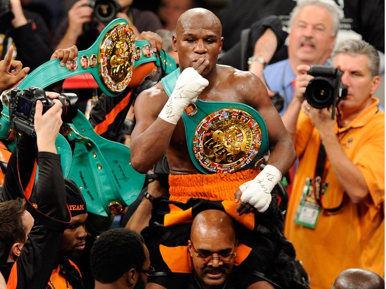 Floyd Mayweather: Arguably a worse punter than our Cheeky