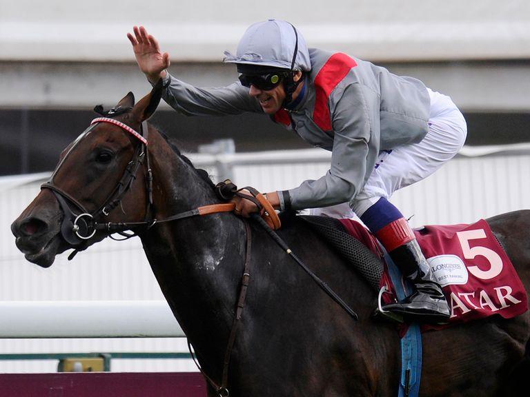 Treve: Unbeaten filly impressed at Longchamp