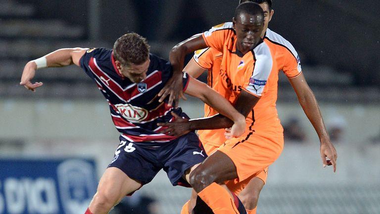 Christian da Silva Fiel: Under pressure from Gregory Sertic
