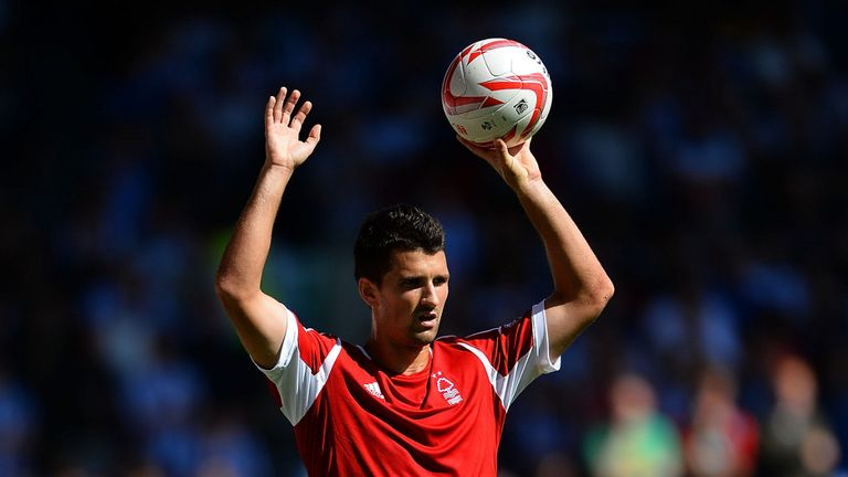 Eric Lichaj: Requires double hernia operation
