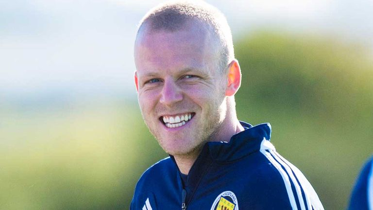Steven Naismith: Would like to play as a lone striker for Scotland