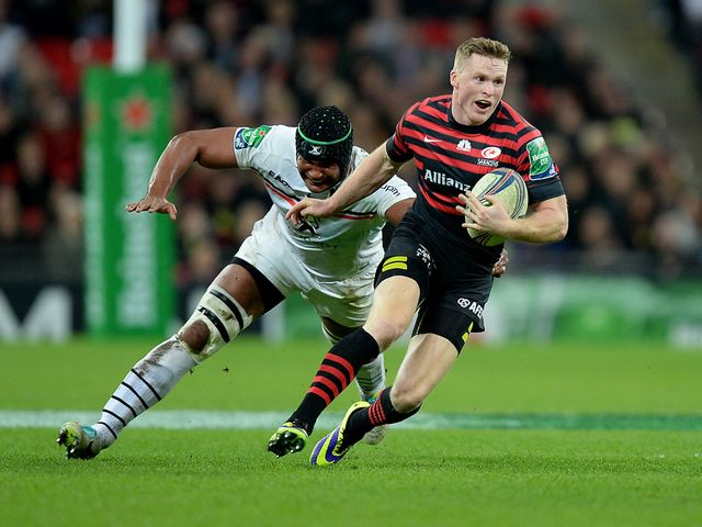 Chris Ashton gets away from Thierry Dusautoir.