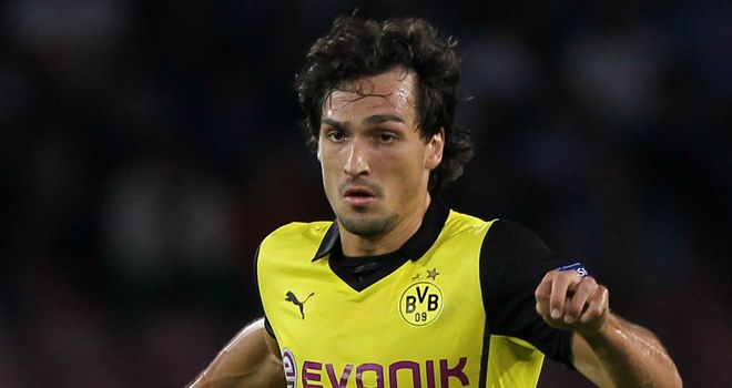 Mats Hummels: Borussia Dortmund defender rejects Barcelona speculation
