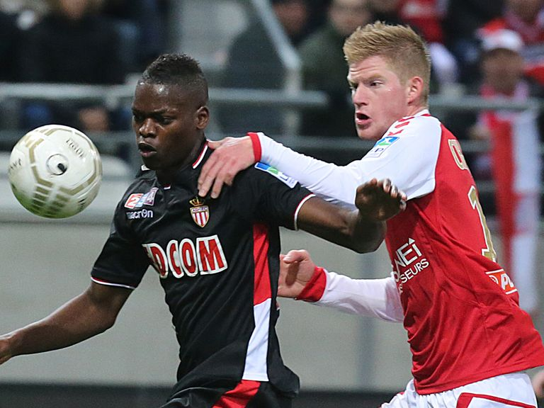Nicolas Isimat and Mirin Gaetan Charbonnier battle for the ball