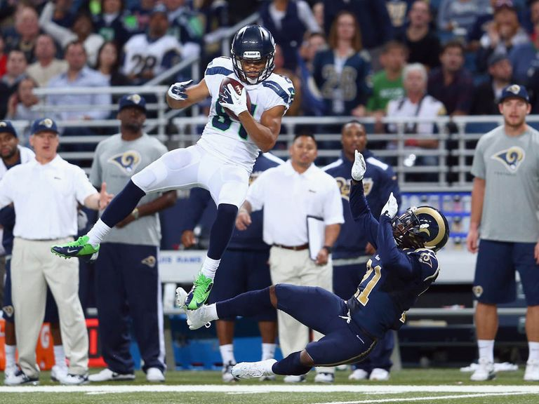 Golden Tate collects for a Seattle touchdown