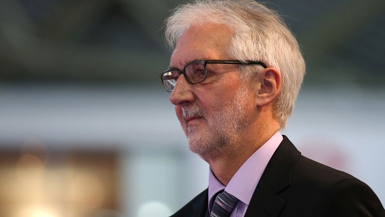 Brian Cookson has not been in contact with Lance Armstrong