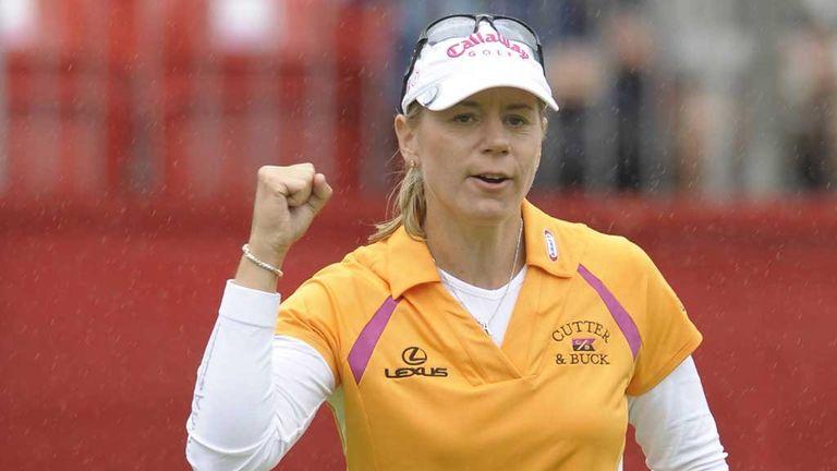 Annika Sorenstam celebrates winning her final tournament in 2008