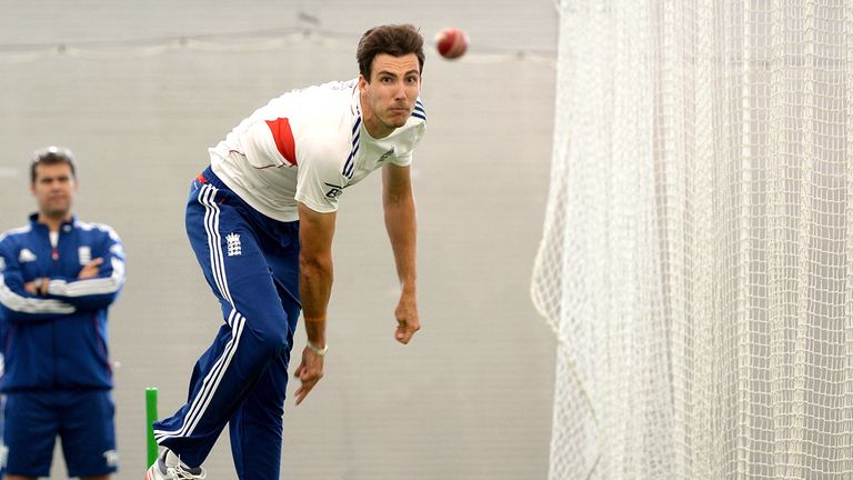 Steven Finn forced to practice inside again