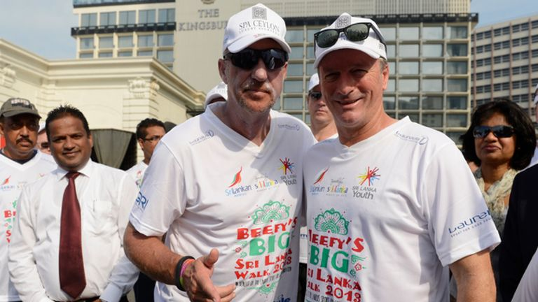 Beefy gets a helping hand from ex-Aussie captain Steve Waugh