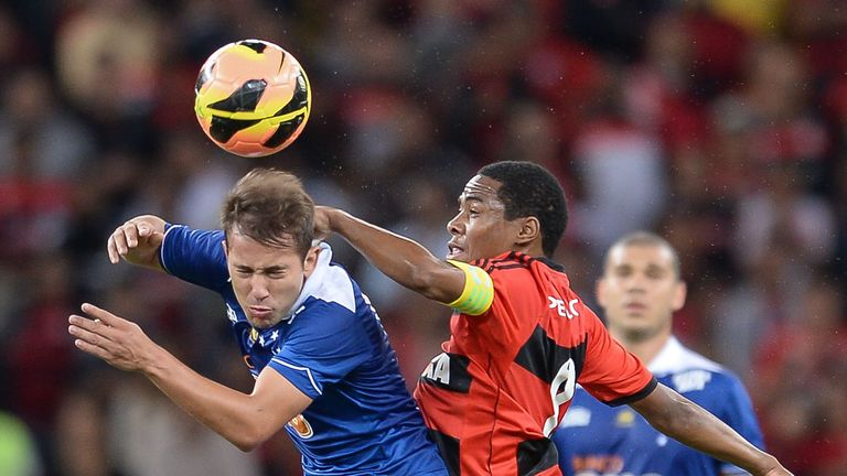 Everton Ribeiro (L): Cruzeiro winger linked with Manchester United