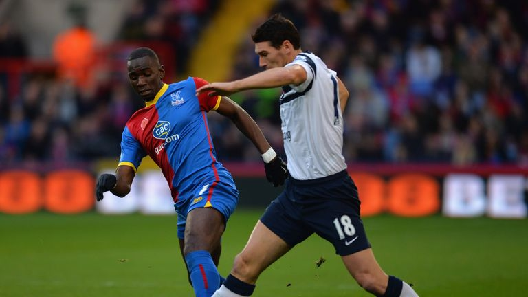 Yannick Bolasie battles with Everton's Gareth Barry during their goalless draw.