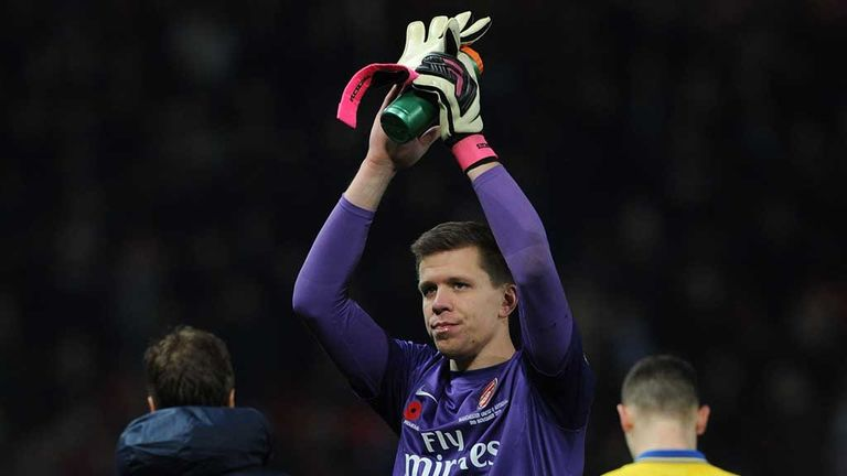 Wojciech Szczesny: Stayed on after collision