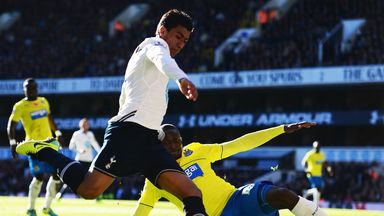 Paulinho: Staying at Tottenham