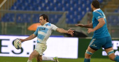 Argentina battle past Italy