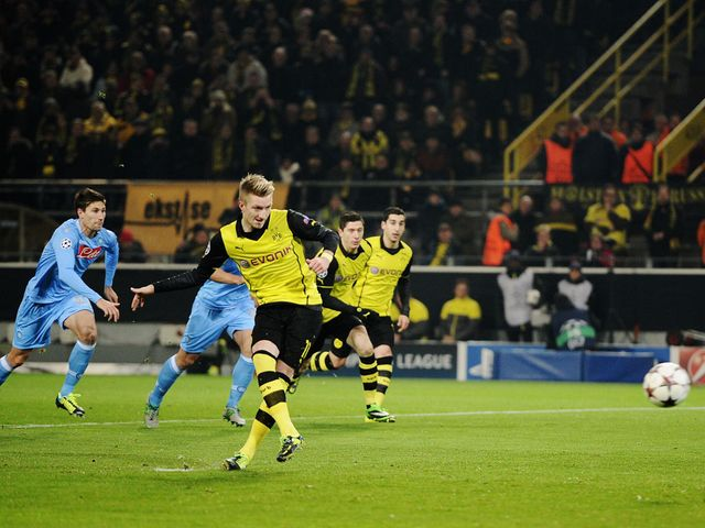 Marco Reus slots home a penalty