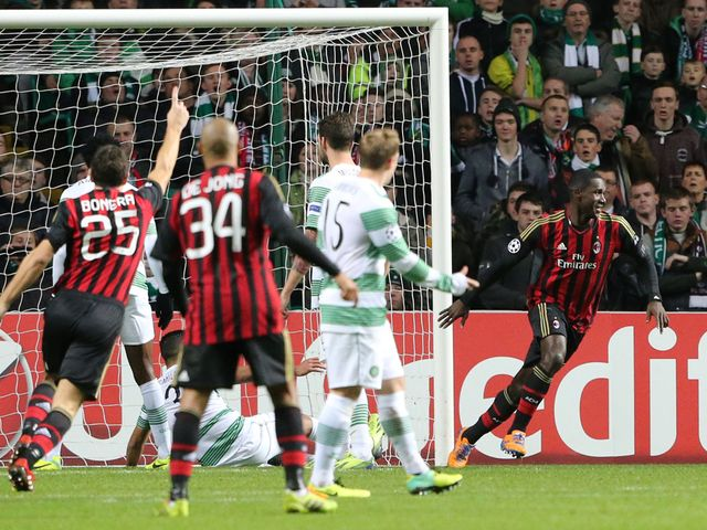 Cristian Zapata scores AC Milan's second goal