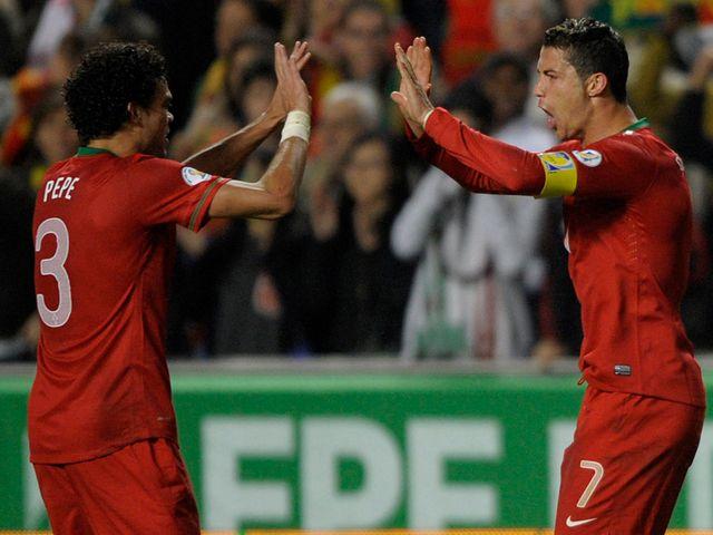 Cristiano Ronaldo celebrates his goal with Pepe