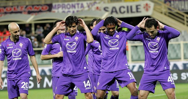 Fiorentina celebrate against Sampdoria