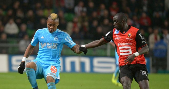 Jordan Ayew keeps possession against Rennes
