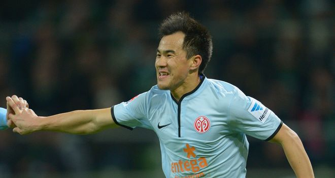 Shinji Okazaki of Mainz scored twice on Sunday