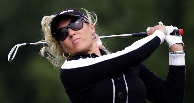 Natalie Gulbis: 65 moves American star into a share of the lead